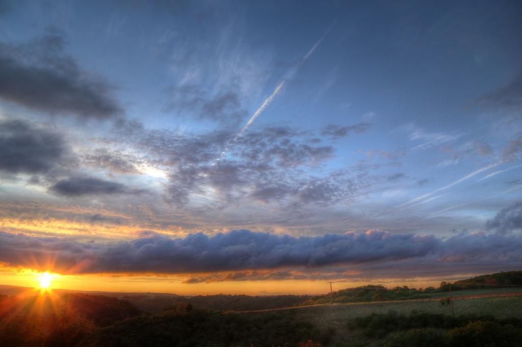 Sonnenuntergang am 18.08.2019, HDR Foto erstellt mit Photomatix.
